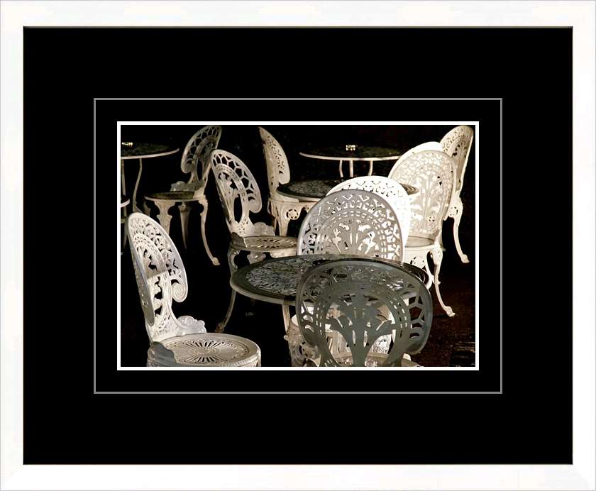 A striking image needs a striking mount-frame combination!